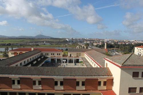 Un brote en Las Escolapias de Mérida tiene en cuarentena a más de 50 personas