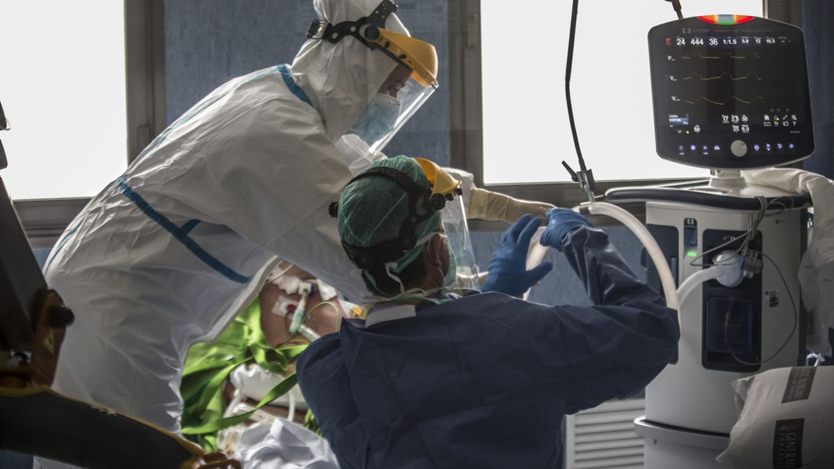 Extremadura notifica otra muerte por Covid, 590 contagios y 90 personas están hospitalizadas