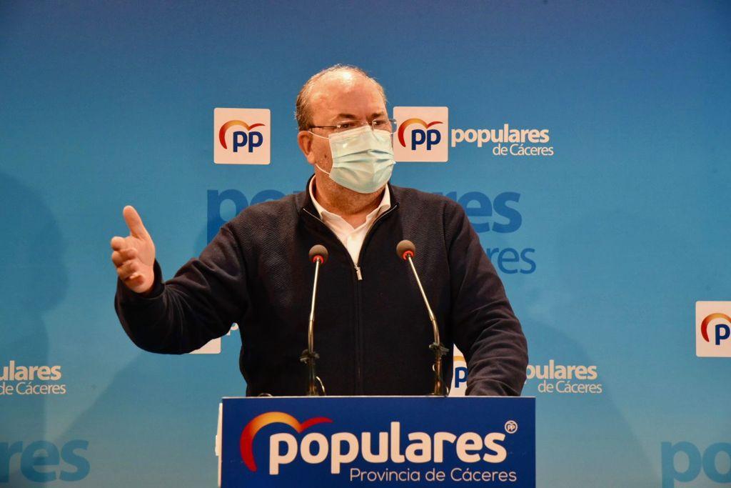 El PP solicitará los informes que avalaron en Extremadura el retraso en la vacunación