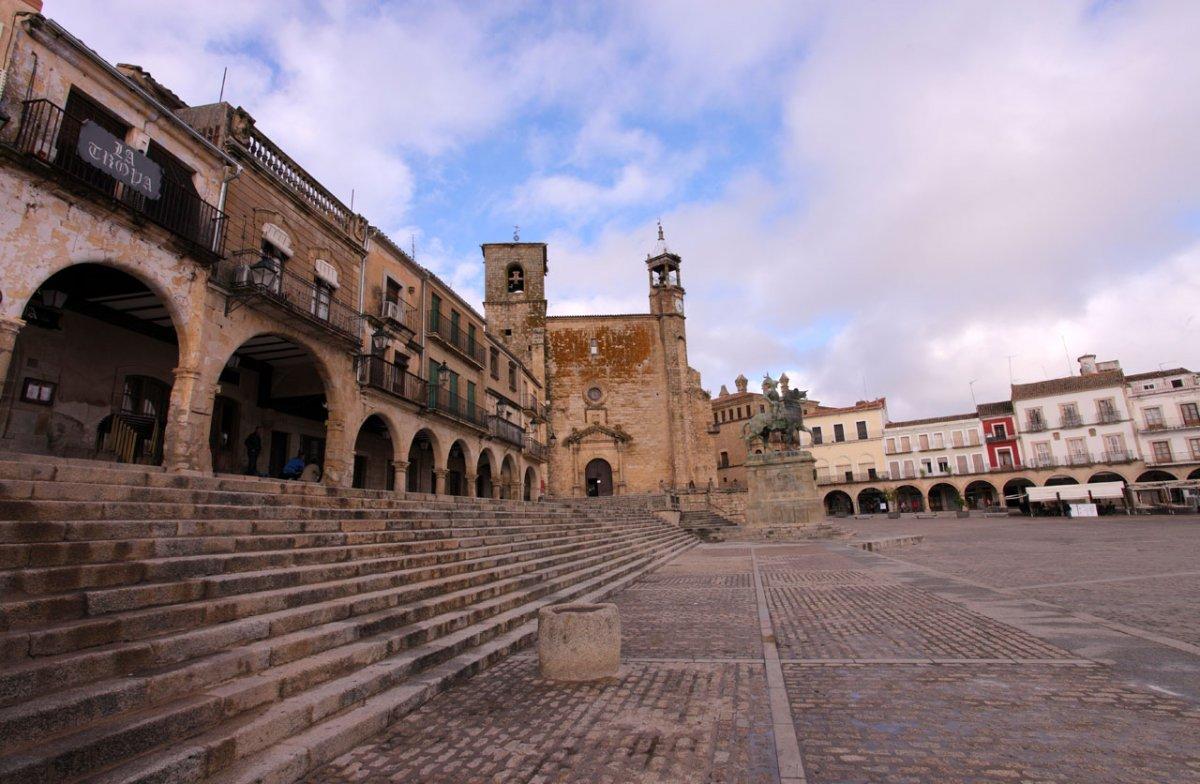 Extremadura suma un brote de origen laboral en Cáceres y otro escolar en Trujillo