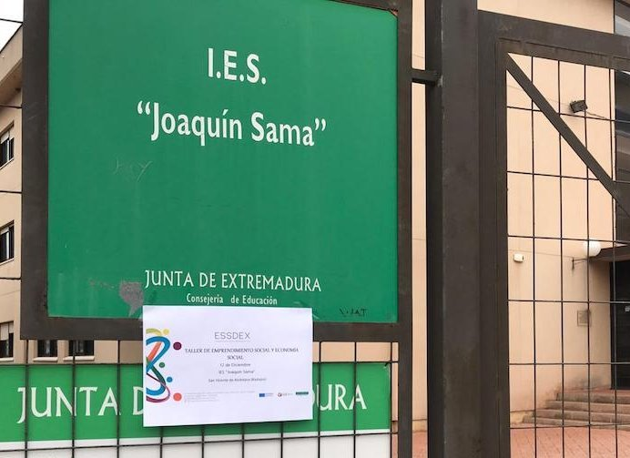 Los IES de San Vicente y Puebla de la Calzada registran un porcentaje elevado de faltas de asistencia