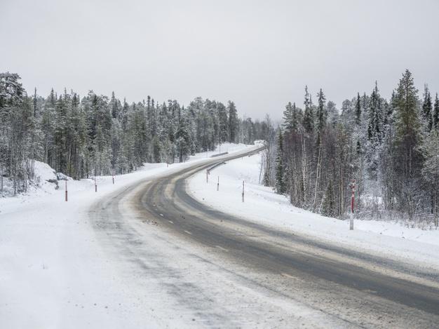 Cinco carreteras de la provincia de Cáceres continúan cerradas al tráfico por la nieve acumulada
