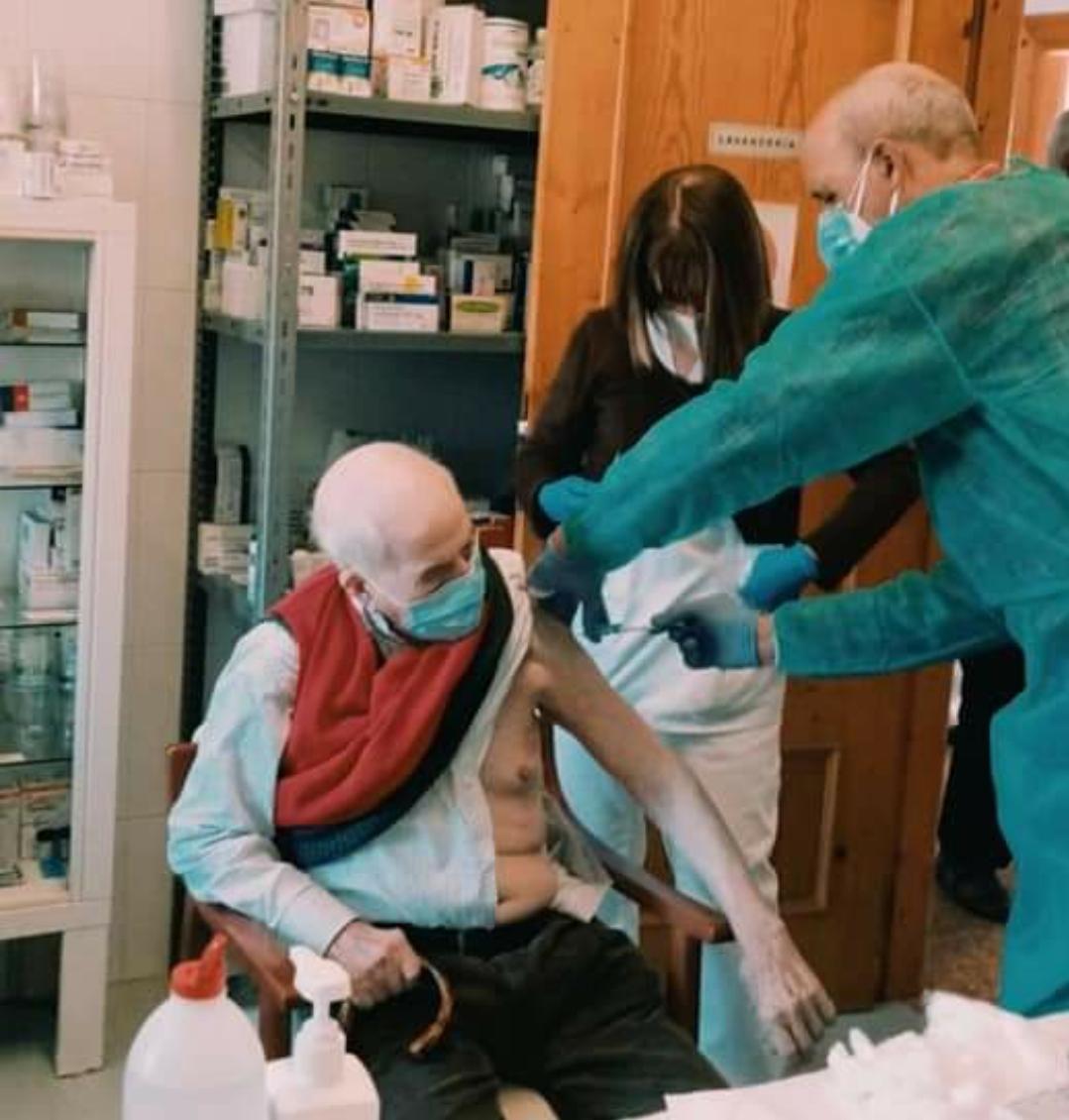 El área de Coria suma 39 positivos y arranca la vacunación en los pisos tutelados de Valverde