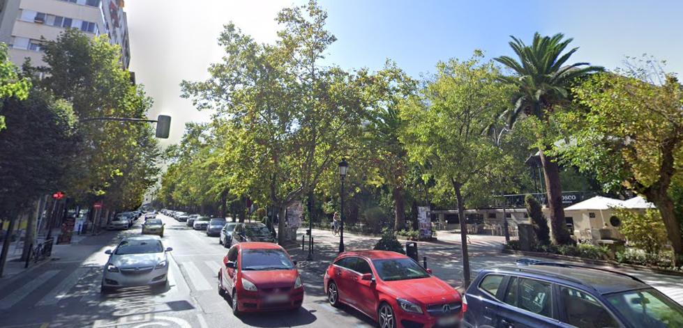 Herido un varón de 49 años tras una colisión entre un coche y una moto en Cáceres