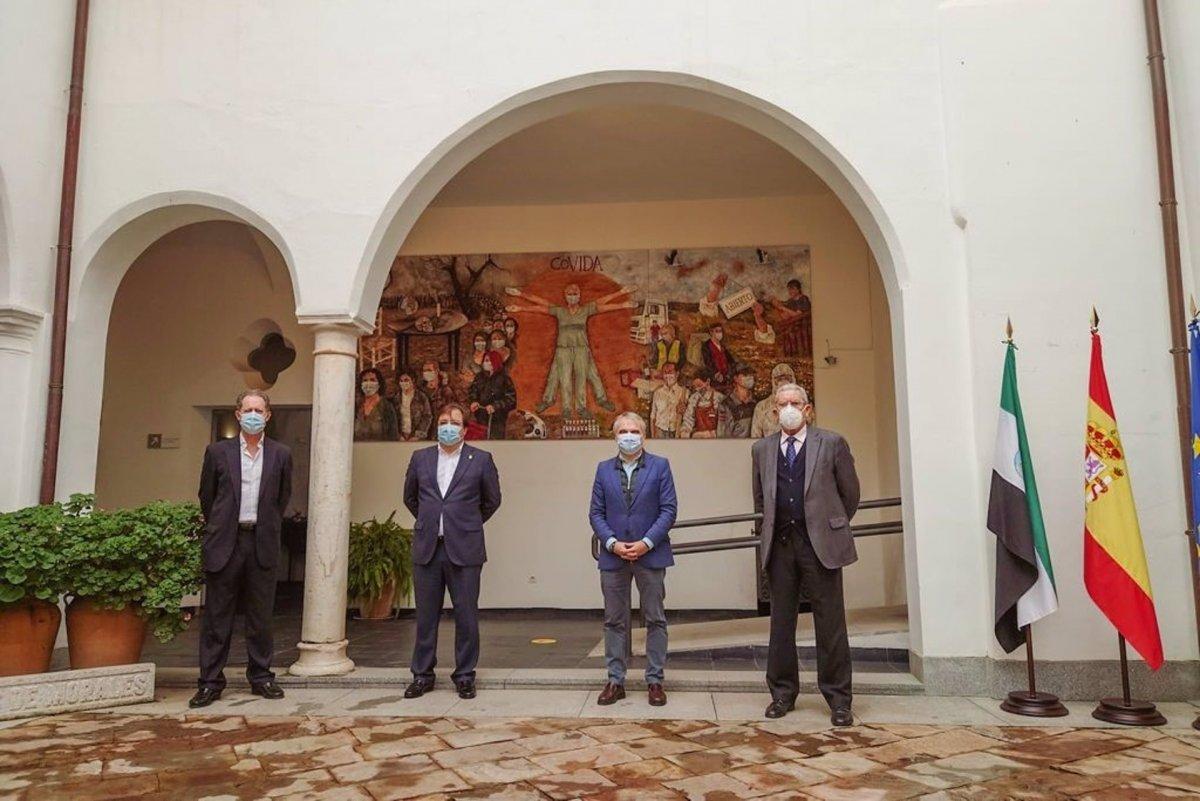 Un cuadro del pintor Damián Retamar homenajea en Badajoz a las víctimas de la Covid-19