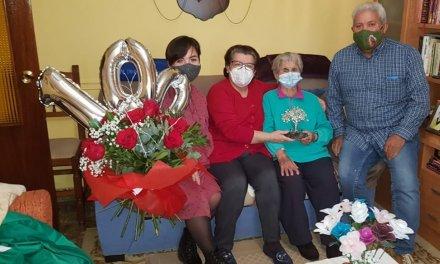 Eljas rinde homenaje a su vecina Paula Moralejo tras cumplir 100 años