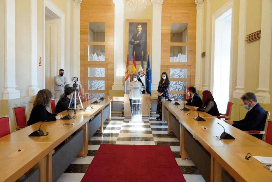 Cáceres incrementa un 23% el presupuesto para frenar los daños de la crisis sanitaria