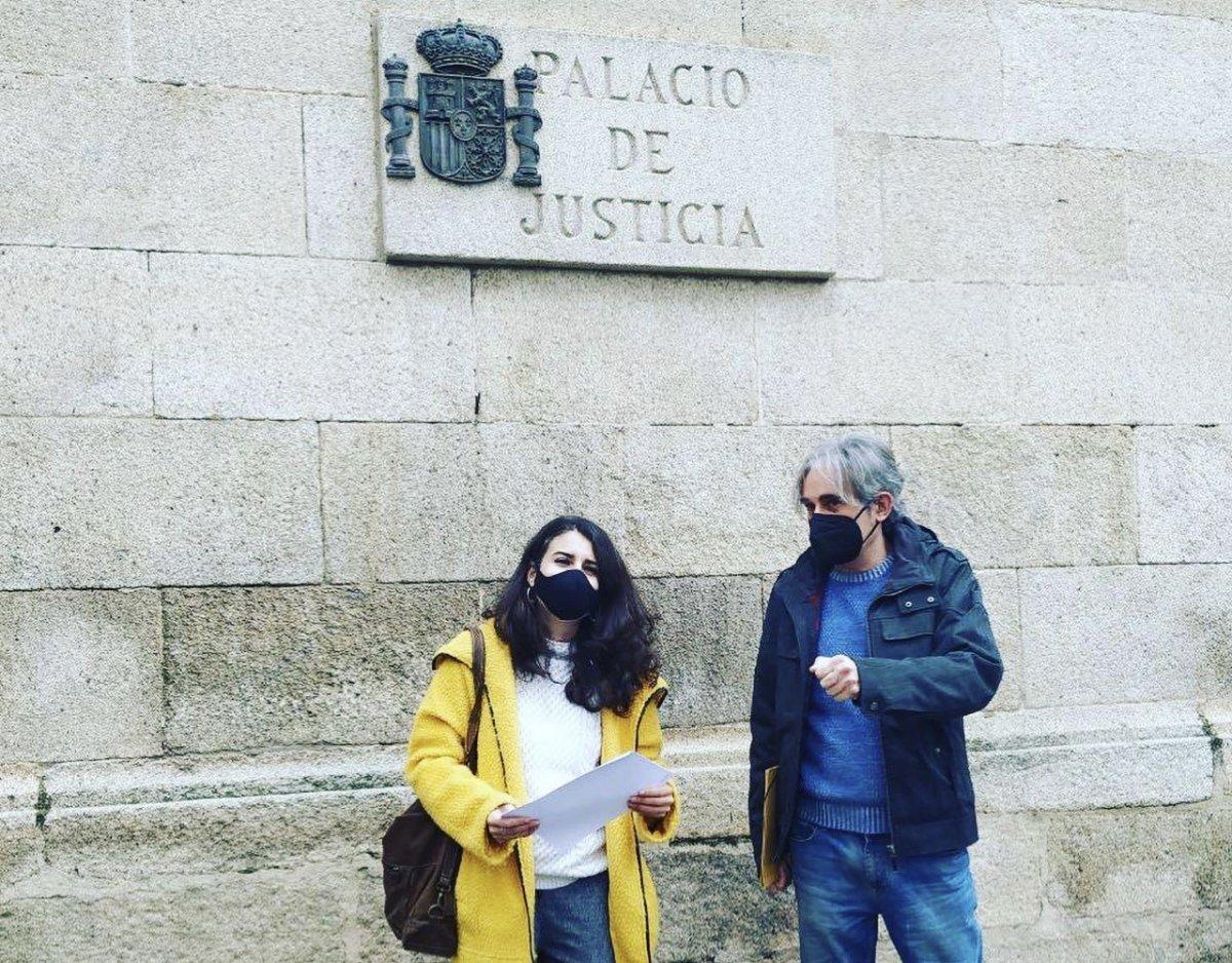 Podemos denuncia ante la Fiscalía irregularidades en el proceso de vacunación en Extremadura