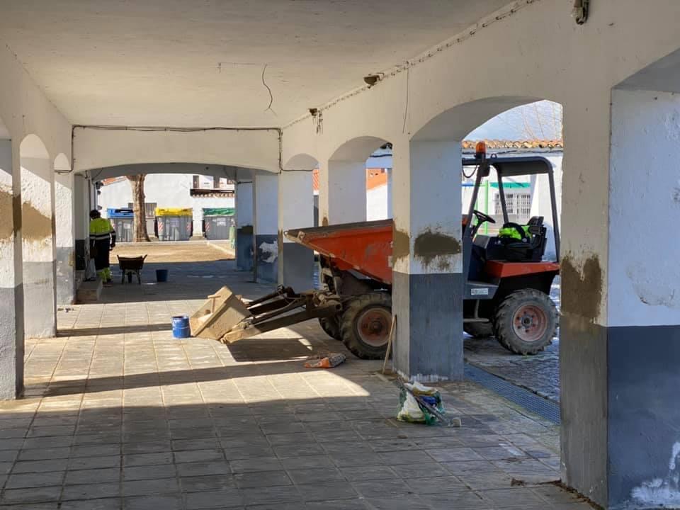 El ayuntamiento adecenta y repara el interior de la casa de cultura de Rincón del Obispo