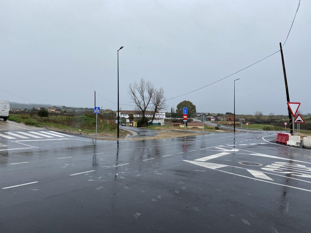 Valoran terrenos para la construcción de la glorieta de la carretera de Coria a Guijo