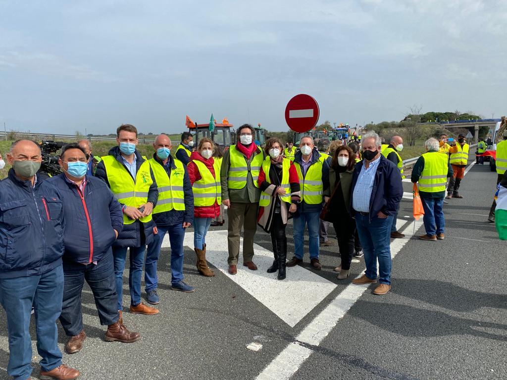 """El PP respalda a los tabaqueros que piden que no se suprima la """"Región 24"""" de la PAC"""