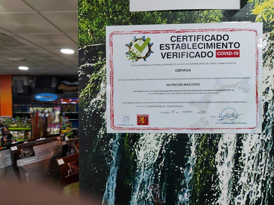 Más de 60 negocios de Coria cuentan con un sello que garantiza que cumplen con los protocolos sanitarios