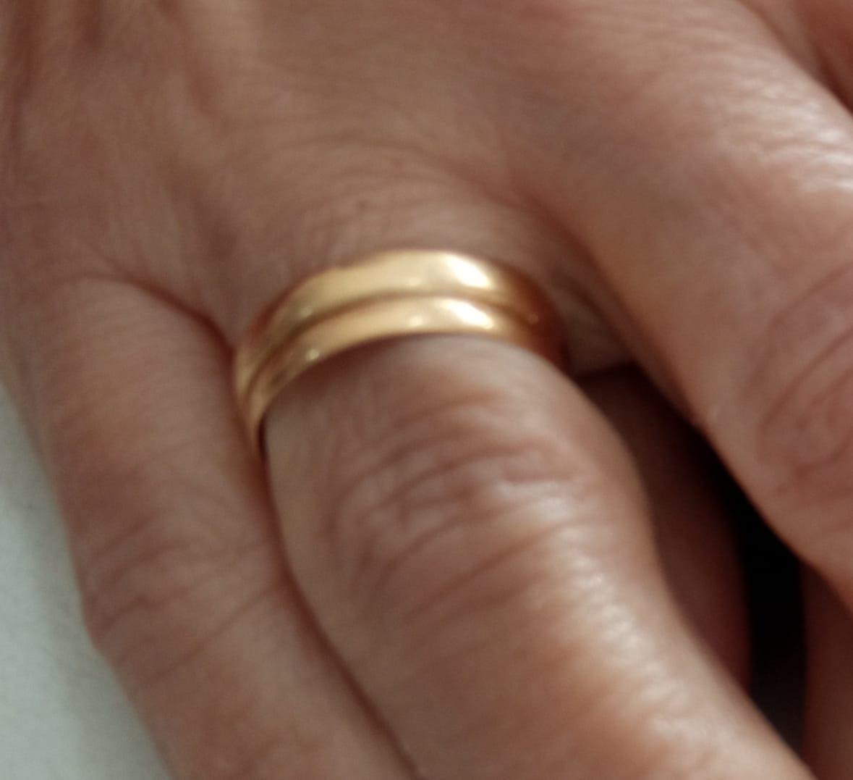 Una vecina de Moraleja pide colaboración para encontrar la alianza de su marido fallecido