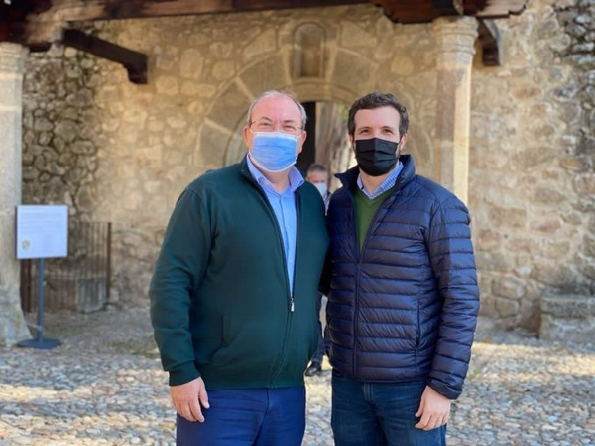 El presidente del Partido Popular, Pablo Casado, visita el Monasterio de Yuste
