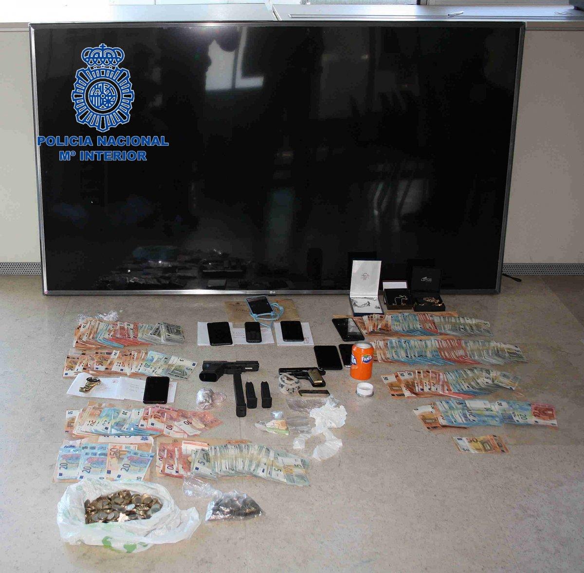 Desarticulado un grupo criminal por tenencia de armas y tráfico de drogas en el barrio de San Lázaro de Plasencia