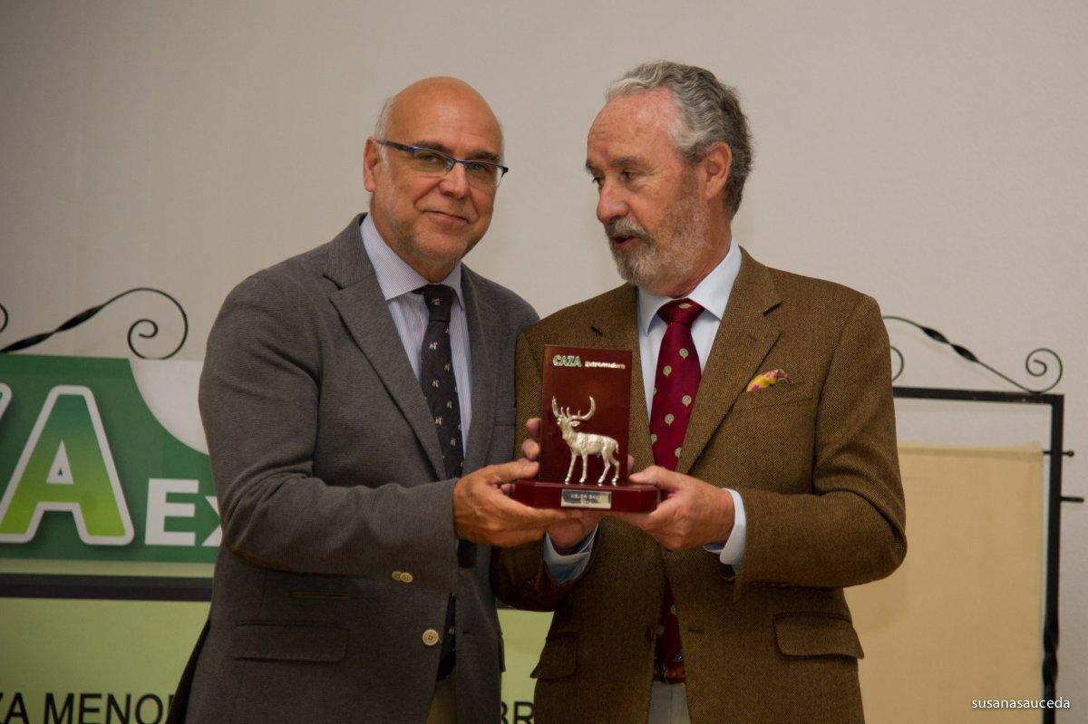 El exconsejero de Agricultura con el PP, José Antonio Echávarri, nombrado vicepresidente de Fedexcaza
