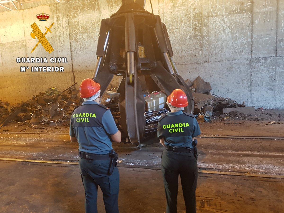 Una siderúrgica destruye más de un millar de armas de todo tipo que tenía la Guardia Civil de Cáceres