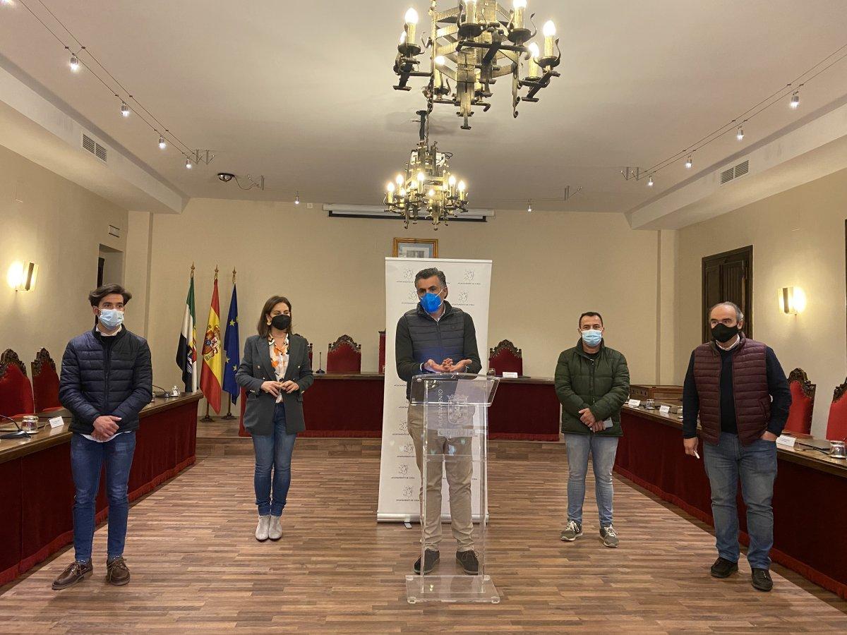 Ballestero pide respaldo a Vara para defender la recuperación del Alagón a su paso por Coria