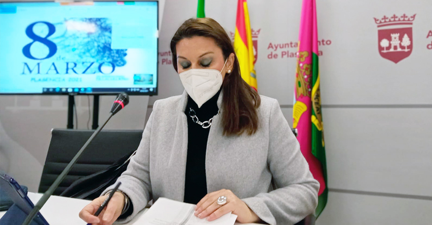 """Plasencia otorga el premio """"Mujeres Extraordinarias"""" a María Jesús Pascual Ruiz y Gloria Crespo Pereira"""