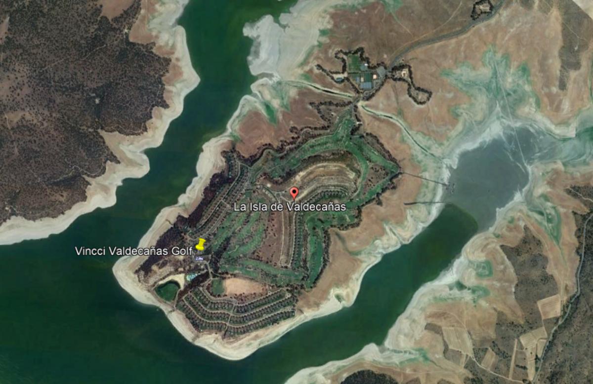 La Junta ordena la redacción del proyecto para demoler construcciones inacabadas en Isla Marina Valdecañas