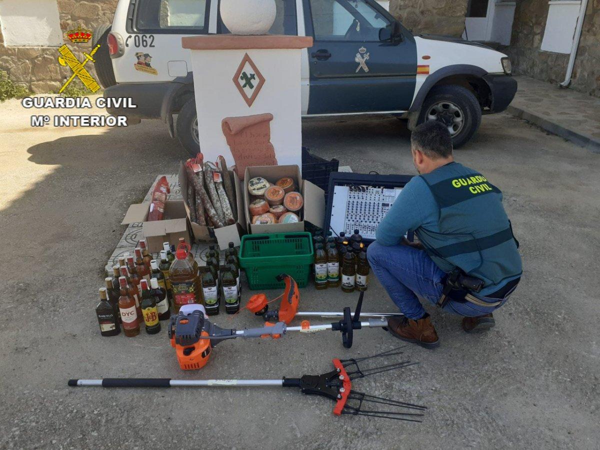 Investigado un ciudadano rumano que robó en un supermercado, una ferretería y en el Ayuntamiento de Brozas
