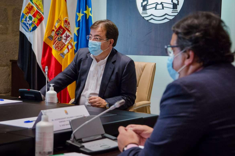 Última hora: La Junta convoca un nuevo Consejo de Gobierno después de que el TSJEx haya tumbado el toque de queda