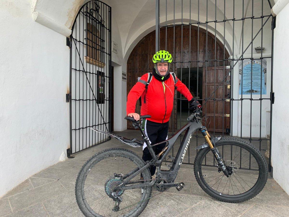 """Alejo Leal: """"Entré en la UCI para descansar y desperté 53 días después"""""""