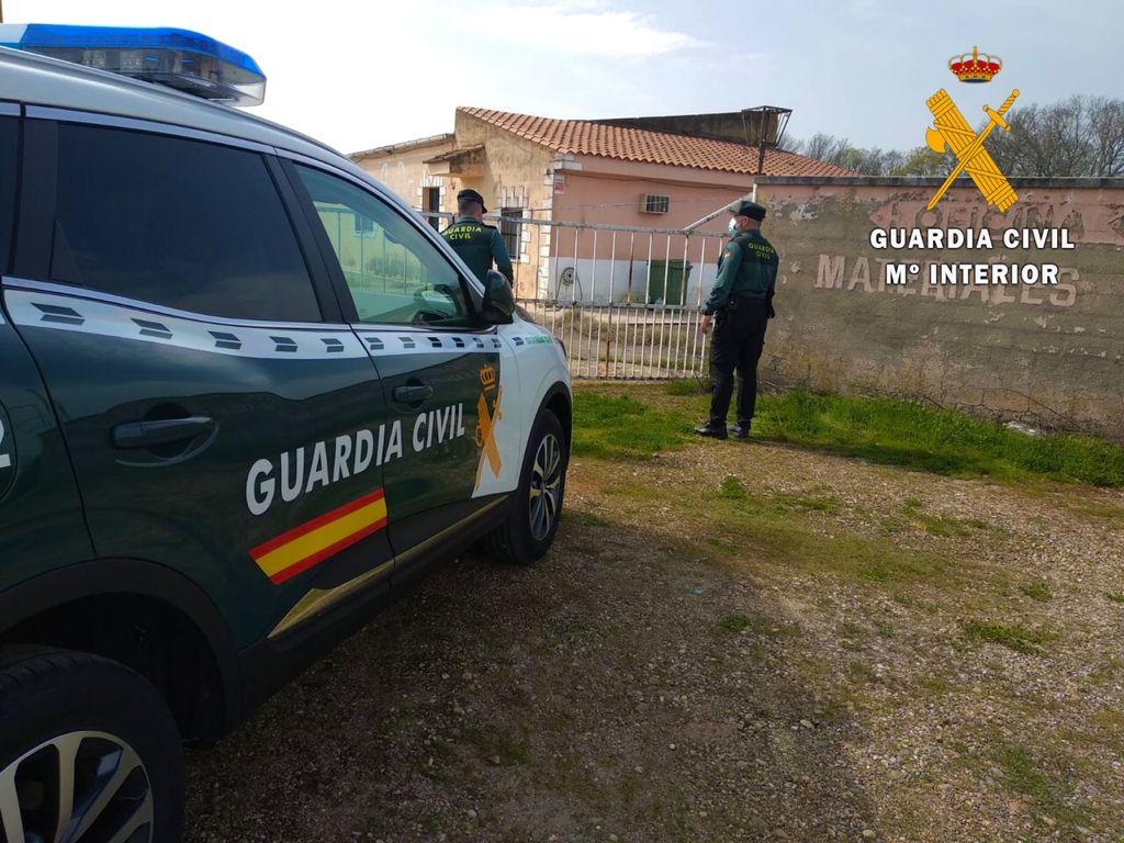 Detenido un vecino de Moraleja que estaba robando material en un almacén de construcción