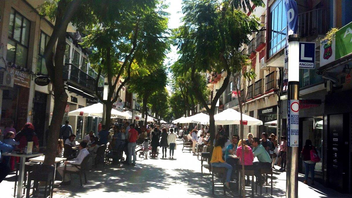Don Benito vive una semana de compras en la calle con descuentos para dinamizar el comercio