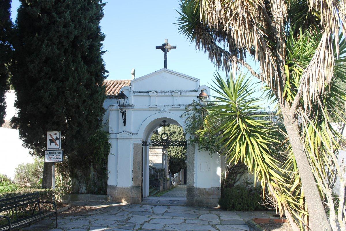 El Ayuntamiento de Cáceres saca a concurso una nueva galería de nichos en el cementerio