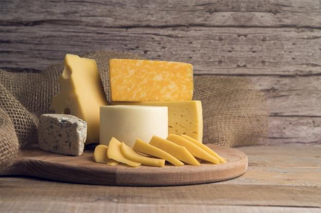 El sector caprino lamenta la situación de los ganaderos y fabricantes de queso por falta rentabilidad