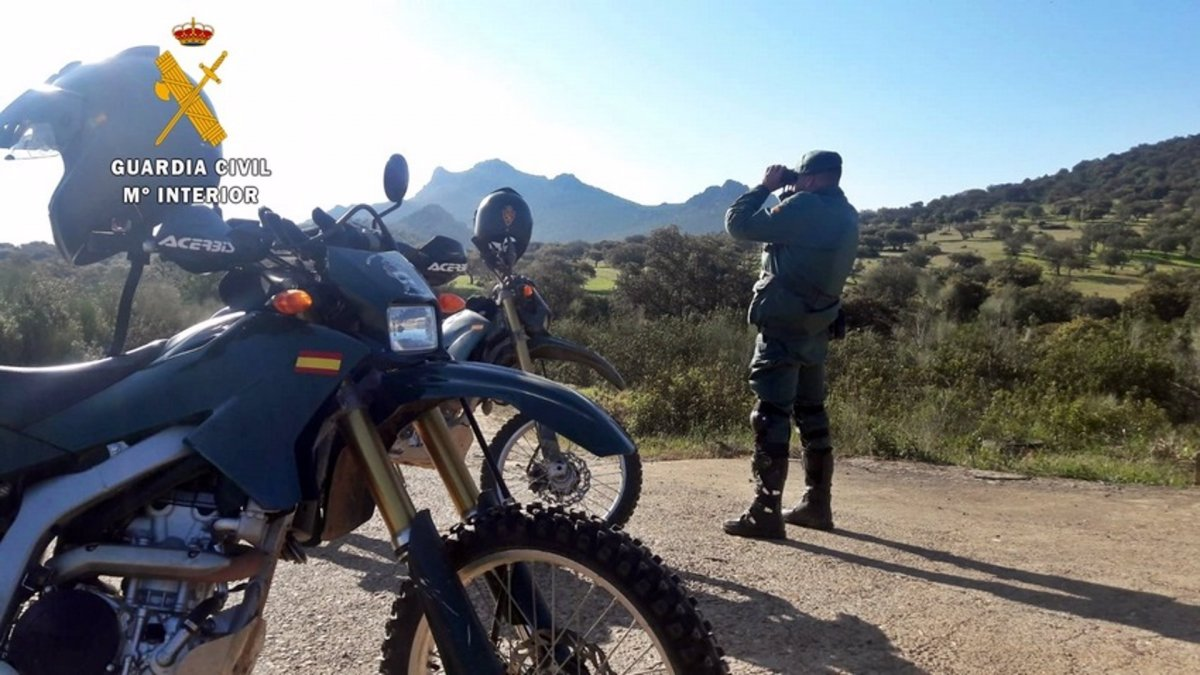 Denunciados 18 conductores que circulaban por espacios forestales protegidos de Badajoz