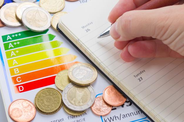 La Junta recuerda a los consumidores que ya existe una nueva etiqueta de eficiencia energética
