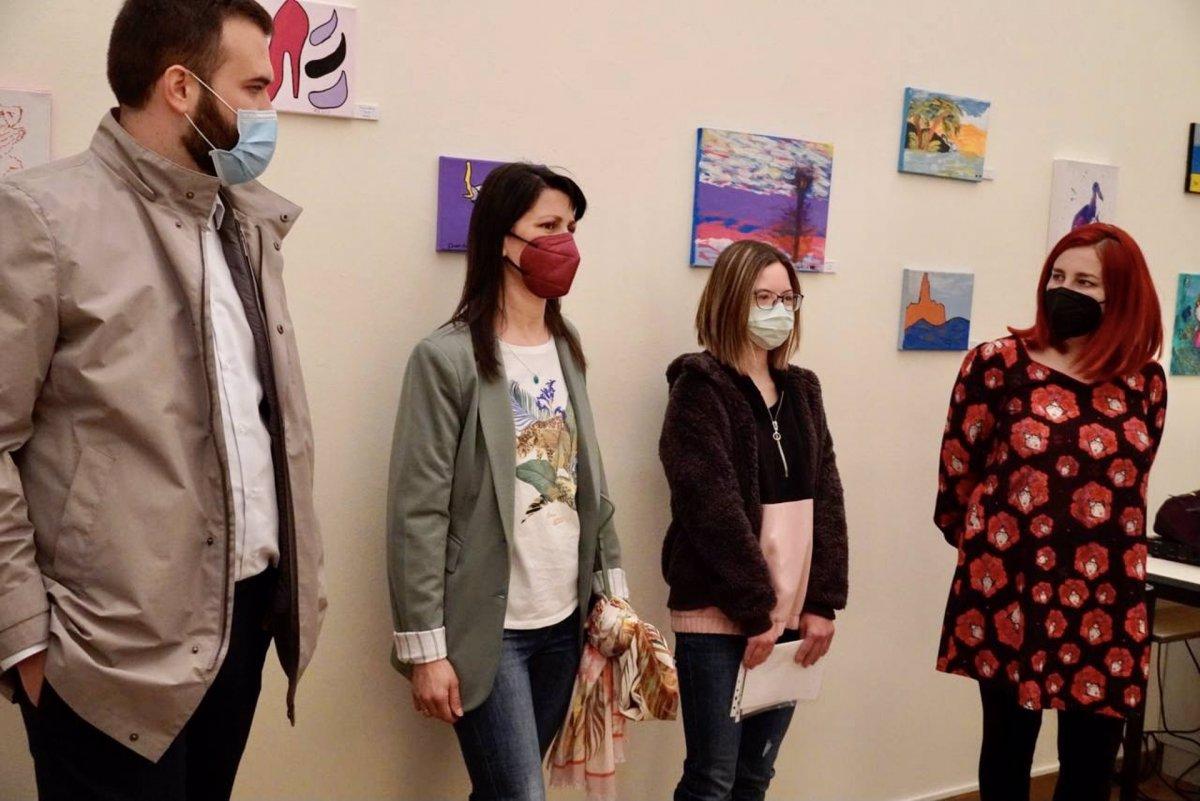 Una exposición en Cáceres muestra la realidad de las personas con Síndrome de Down