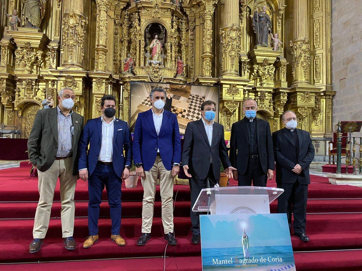 Video: El Mantel Sagrado protagoniza un documental que visibiliza esta reliquia custodiada en la Catedral de Coria