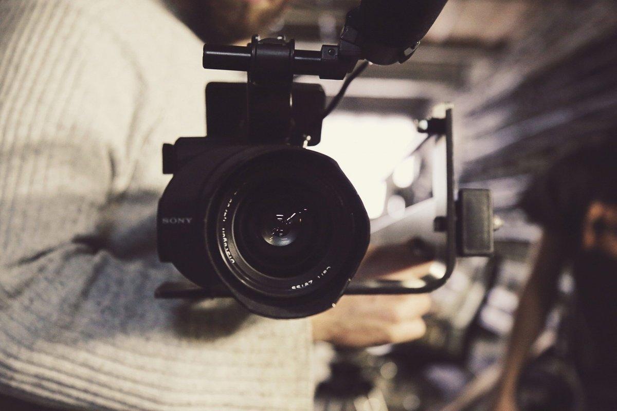 Condenado a dos años un fotógrafo que captó a modelos y las grabó desnudas con una cámara oculta