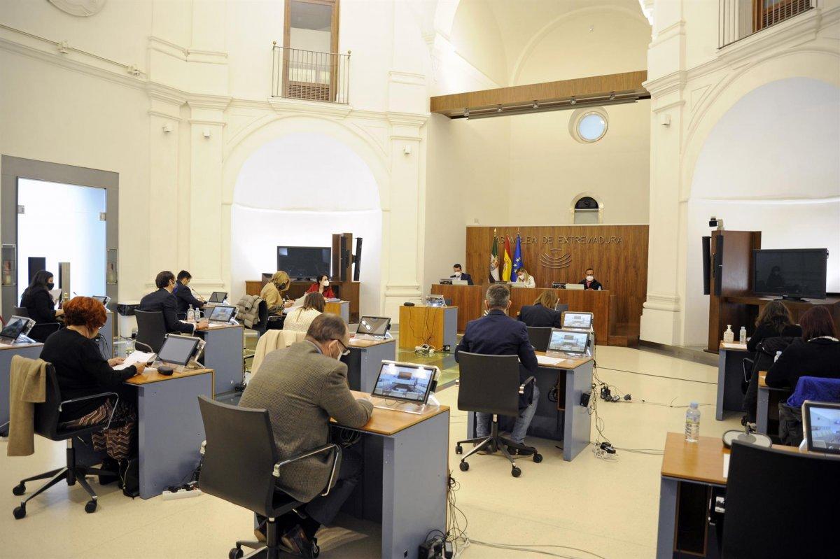 Los partidos extremeños abogan por medidas unitarias de cara al Puente de San José y Semana Santa