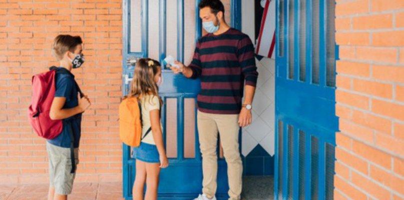 Extremadura llega a las 60 aulas cerradas por coronavirus y con sus alumnos en casa