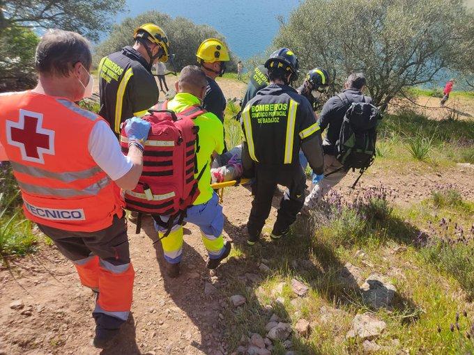 Un varón de 56 años resulta herido grave mientras practicaba la escalada en Alange