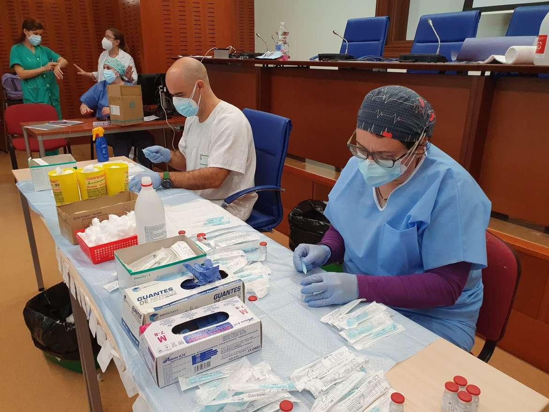 Badajoz vacunará masivamente el próximo martes a los nacidos entre los años 1941 y 1951