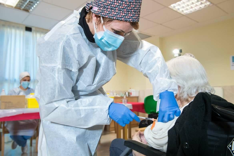 Extremadura arranca la semana notificando 97 nuevos contagios y la muerte de una mujer de 72 años