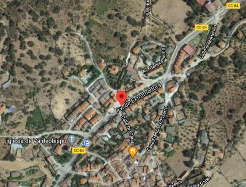 Dos personas resultan intoxicadas por inhalación de humo en un incendio ocurrido en Valdeobispo