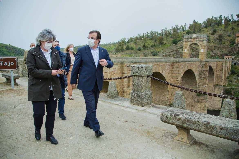 El nuevo puente sobre el Tajo en Alcántara tendrá un circuito de contemplación del monumento romano