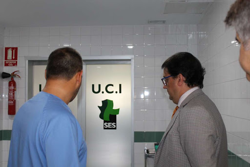 Sanidad compra cabeceros UCI para el Hospital Universitario de Cáceres