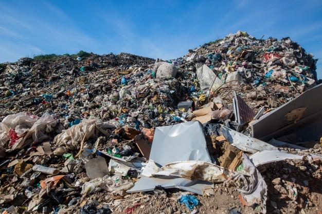 Tres millones de euros permitirán sellar 29 escombreras ilegales en pueblos de Extremadura