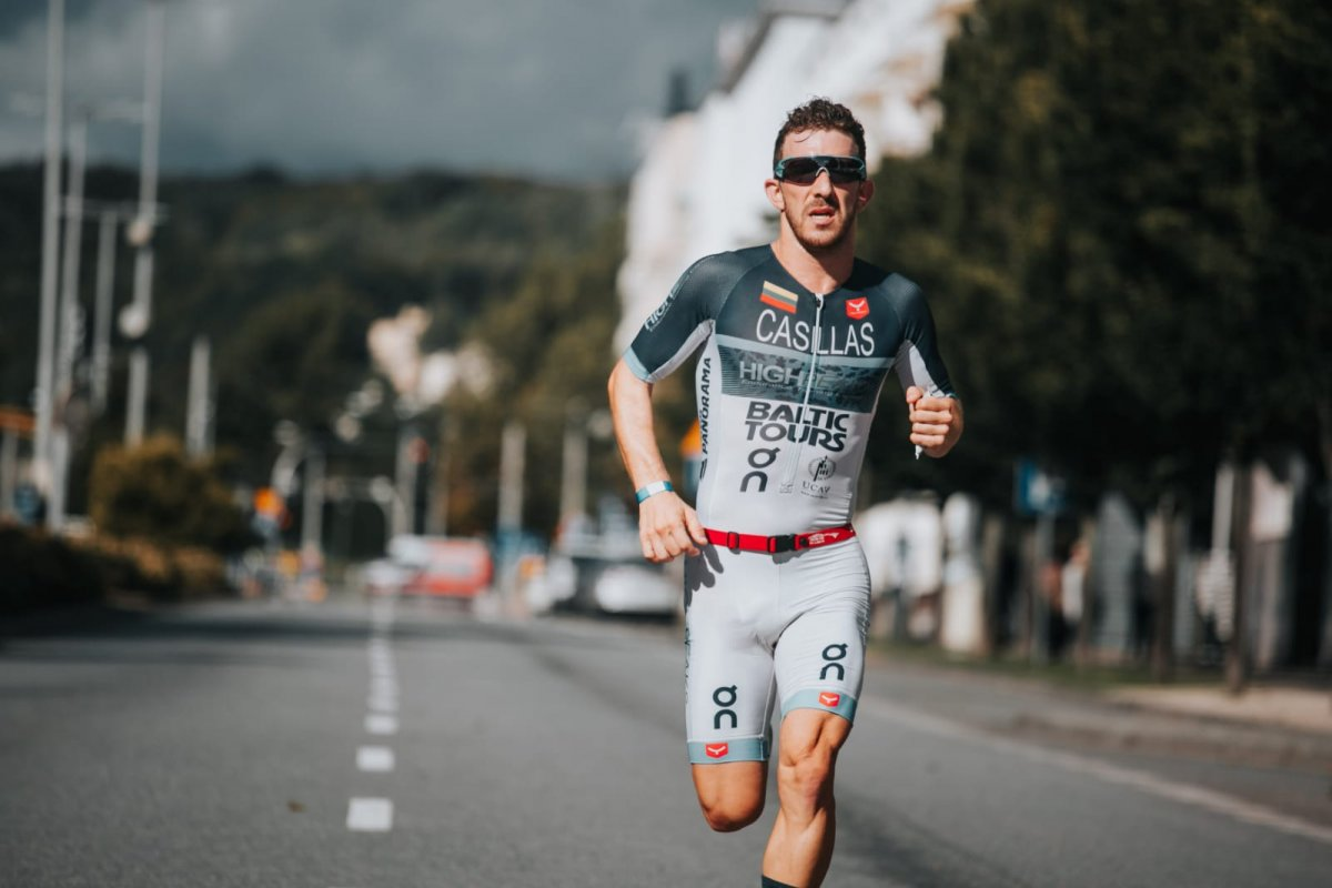 El triatleta de Badajoz Alberto Casillas afronta su primer medio Ironman de 2021