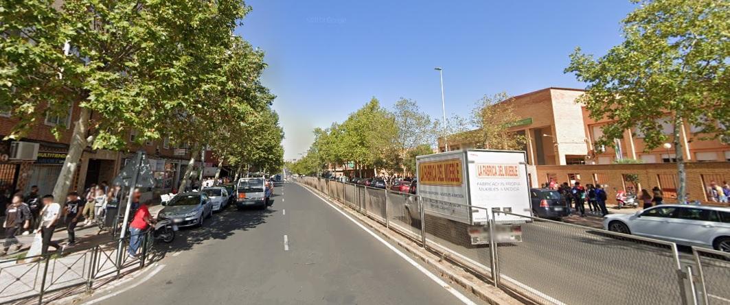 La Policía Nacional detiene a dos personas en Cáceres por robar un coche e intentar hacerlo en un negocio