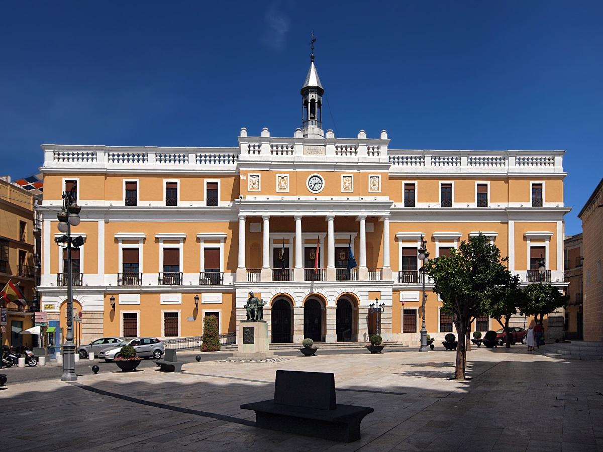 El SES confirma dos brotes mixtos localizados en Badajoz y Valdelacalzada
