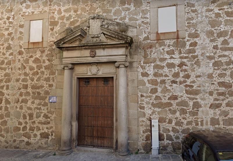 Varias asociaciones culturales placentinas piden la conservación del Convento de Las Carmelitas como centro cultural