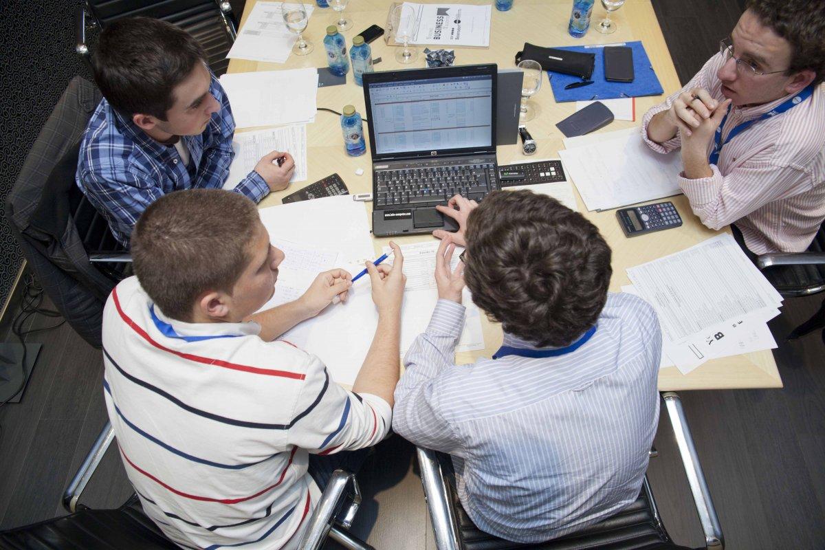 Los jóvenes extremeños se muestran pesimistas respecto a su futuro laboral